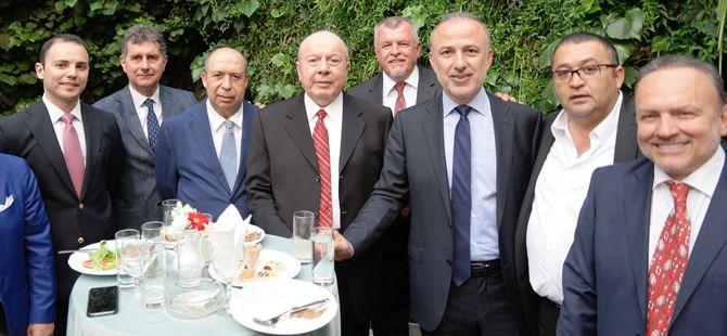 Türk denizcilik sektörü, Posidonia Denizcilik Fuarı'na çıkarma yapt