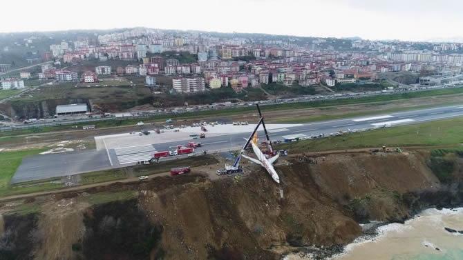 Pistten çıkan Pegasus uçağının enkazı kaldırıldı galerisi resim 1