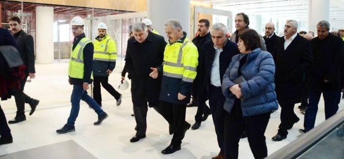 Ahmet Arslan İstanbul Yeni Havalimanı'nı ziyaret etti