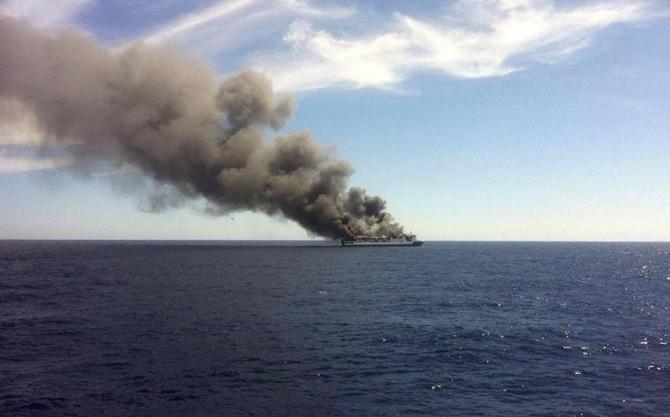 İspanya'da feribotta yangın çıktı galerisi resim 6