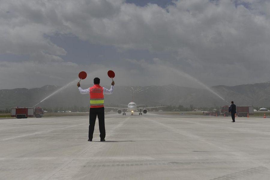 Yüksekova Havalimanı açıldı galerisi resim 14