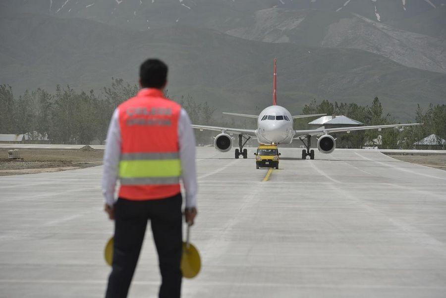 Yüksekova Havalimanı açıldı galerisi resim 16