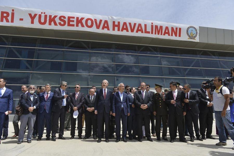 Yüksekova Havalimanı açıldı galerisi resim 24