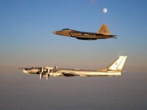 Çin'den ABD uçağına engelleme