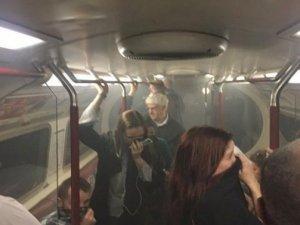 Londra metrosunda yangın çıktı