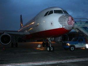 Doludan zarar gören uçak yeniden gökyüzüyle buluştu