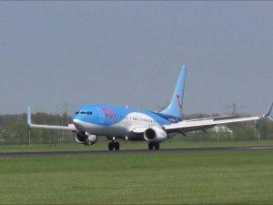 Londra-Antalya uçağı İtalya'ya divert etti