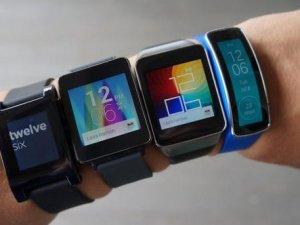 Samsung'un yeni Gear'ı geliyor