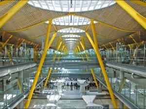 İspanya'nın 46 havalimanında grev kararı