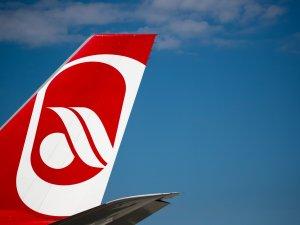 Air Berlin'de 70 uçuş iptal edildi