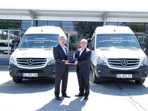 Mercedes-Benz Türk'ten Az-Al Turizm'e 20 adet Sprinter okul servisi teslim etti