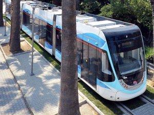 İzmir'de tramvay Çiğli'ye kadar uzuyor