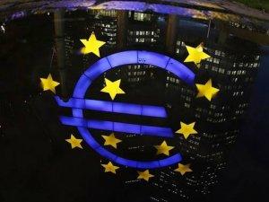 Euro Bölgesi'nde yatırımcı güveni 10 yılın zirvesinde