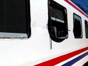 Adana'da TIR ve tren çarpıştı
