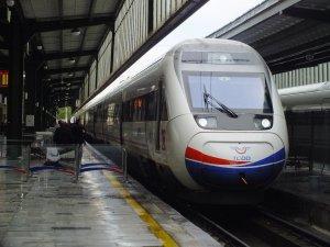 İzmit hızlı tren istasyonu, Kartepe'de olacak