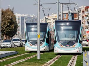 Karşıyaka tramvayını 563 bin 889 yolcu kullandı