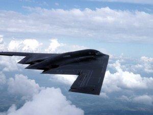 ABD, Guam Adası'na 200 havacı ile 3 hayalet uçak gönderdi