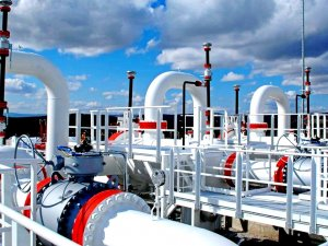 """Jeopolitik riskler petrol ve gaza yaradı"""