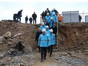 Ahmet Arslan Küçük Çamlıca TV-Radyo Kulesi inşaatında incelemelerde bulundu