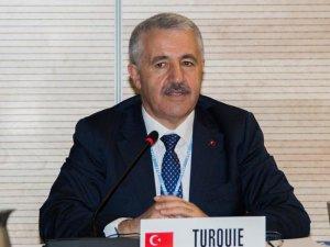 Ahmet Arslan: Karar alıcı ülkeler arasında olmak her platformda önemli