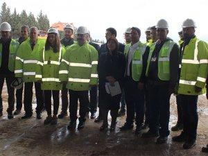 Ahmet Arslan Adnan menderes Havalimanı'nı ziyaret etti