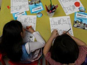 Mercedes-Benz Türk'ün MobileKids Trafik Eğitim Projesi, çocuklarla buluşuyor
