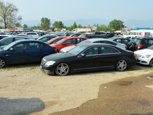 Yediemin otoparklarındaki araçlar satılıyor