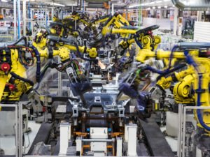 SEAT üretim merkezinde 2 bin robot çalışıyor