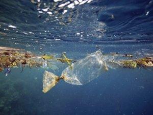 Akdeniz'e en çok plastik Türkiye'den çıktı