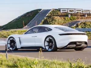 Porsche Taycan piyasaya çıkıyor