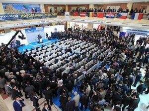 Tahran'da 6. Uluslararası Tren Yolu Taşımacılığı Fuarı açıldı