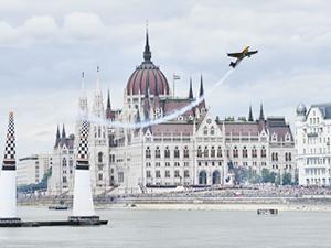 Red Bull Air Race'te heyecan Macaristan'a taşınıyor