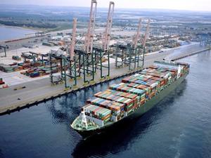 Yılport Holding, Taranto Limanı'nın işletmesine talip oldu