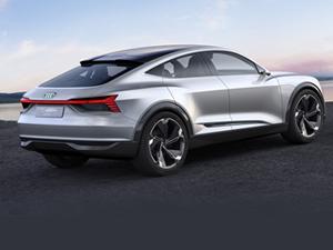Audi yeni elektirkli aracı E-Tron'u tanıttı