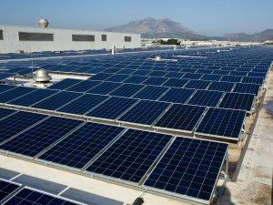 SEAT, Martorell'de 53 bin panelle elektrik üretiyor