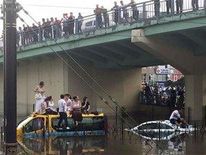 İstanbul için sel ve fırtına uyarısı yapıldı