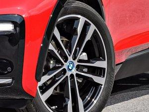 """Bridgestone, BMW i3s'in yeni nesil lastiklerini """"ologic"""" teknolojisiyle üretiyor"""