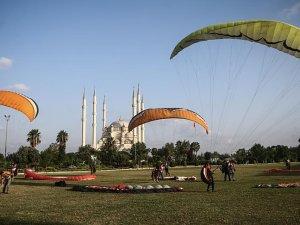 Yamaç paraşütçülerinin yeni gözdesi Adana