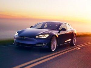 Tesla otomobillerinde yapay zeka kullanacak