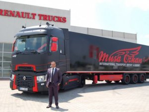 Renault Trucks'ın Yüksek Kabinli serisi Musa Özkan filosunda