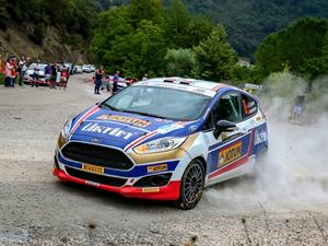 Ford Motorsport Türkiye, Yeşil Bursa Rallisi'nde fırtınalar estirdi!