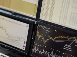 Borsadaki bankaların aktif büyüklüğü 2,4 trilyon lirayı aştı