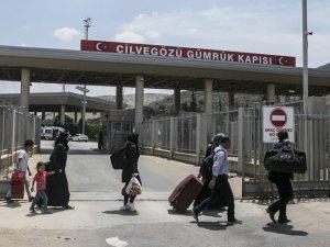 Ramazan Bayramı için giden 50 bin Suriyeli Türkiye'ye dönmedi