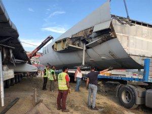 ACT'nin eski uçağı karayoluyla Muğla'ya taşındı