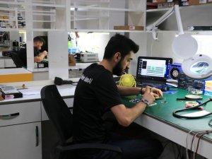 Reeder, yılda 6 milyon akıllı cep telefonu üretmeyi hedefliyor