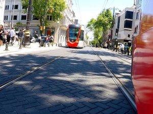 İstanbul'da tramvay kazası: İki turist yaralandı