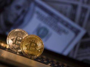 Uzmanlara en çok dolar, altın ve bitcoin soruldu