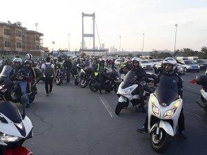 Motosikletçiler trafikte farkındalık eylemi düzenledi