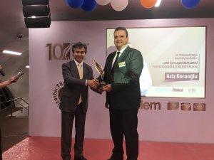 Otokar, İzmir Büyükşehir Belediyesi'ne 'Kent İçi Ulaşım Ödülü' verdi