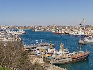 16 gemi Kırım'a kaçak yolla girdi